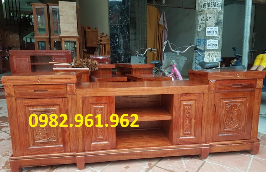 Kệ tivi gỗ Đinh Hương 2m mẫu đầu nhô - KTVH438